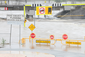 More than 700 qualified local contractors are now registered with the Queensland Government's North Queensland Flood Register to assist in the recovery works in the state's north.