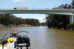 Echuca-Moama bridge moves to stage three construction