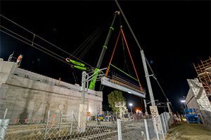 Alliance installs bridge beams for Evans Road level crossing removal
