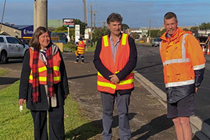 Warrnambool council uses recycled glass for road works