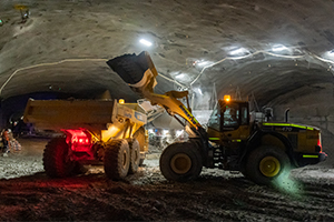 Komatsu's key role in constructing Sydney's complex underground motorway interchange