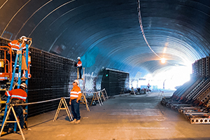 Tunnel built in 2000 being used in the Thornlie-Cockburn Link construction
