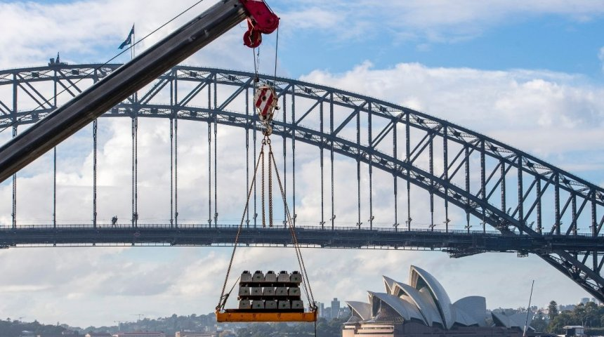 Track-laying under Sydney Harbour reaches new milestone