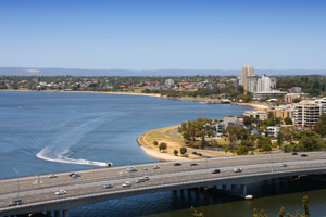 Kwinana Fwy to trial recycled material as road base